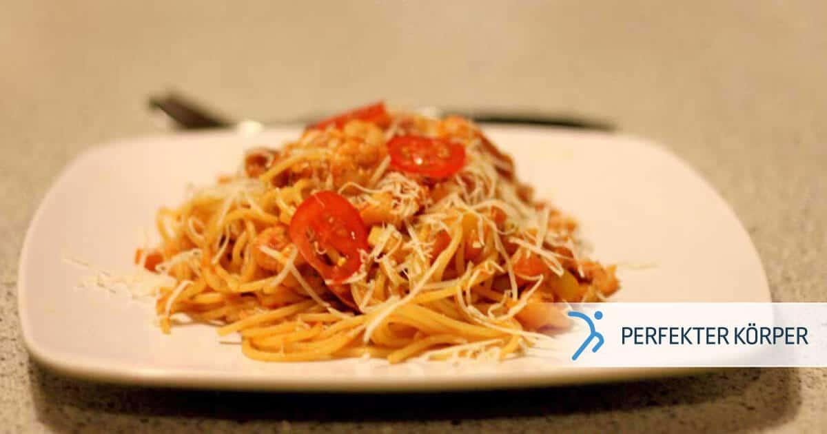 PK-rezepte-Pasta-mit-Garnelen-in-saftiger-roter-Sosse