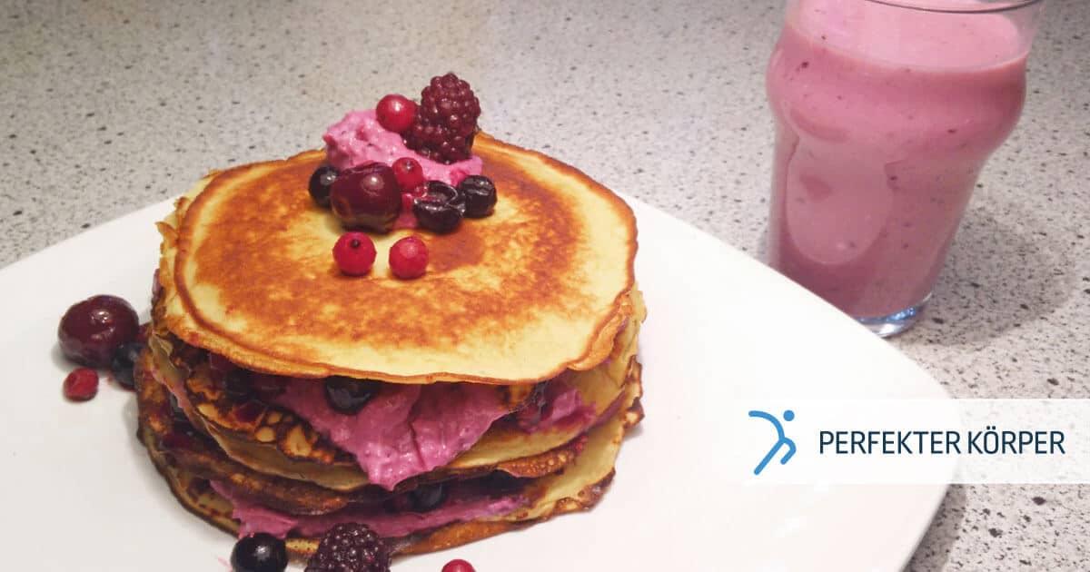 PK-rezepte-Protein-Pfannkuchen-mit-Waldfruchten