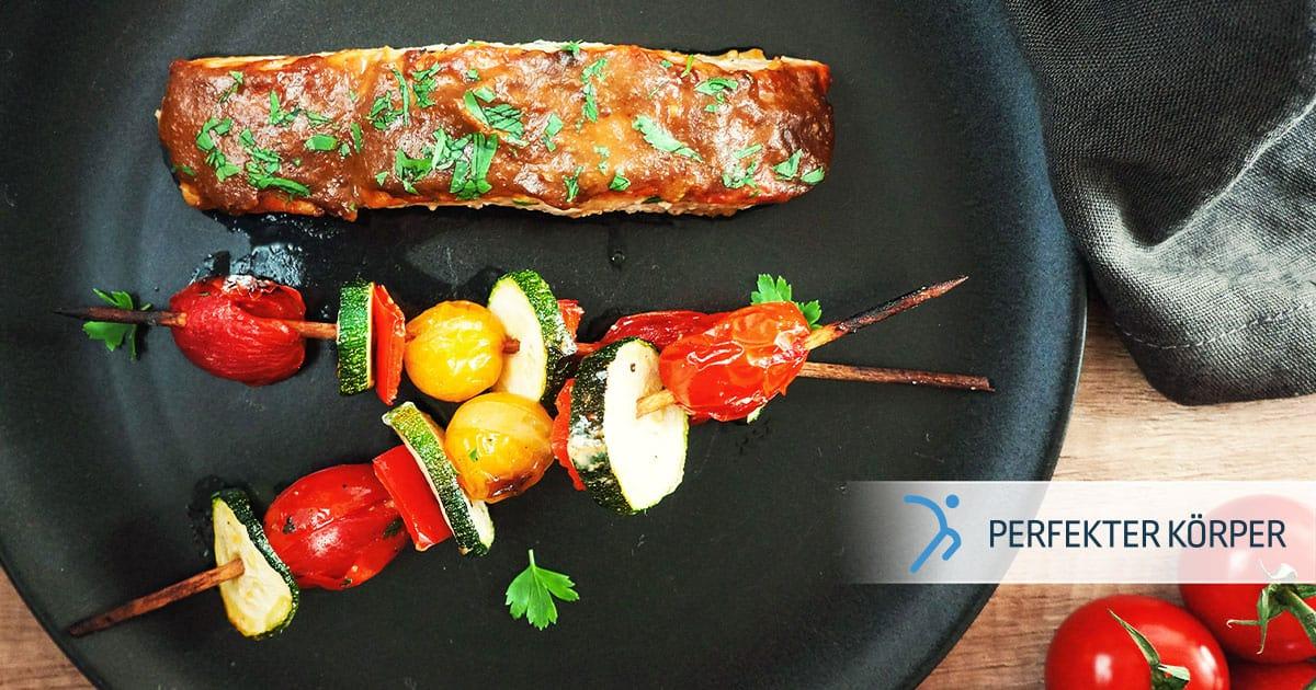 Saftiges Lachsfilet mit Gemüse-Spießen