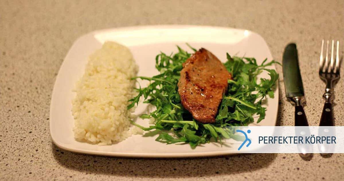 Saftiges Steak auf Rucola-Bett mit Basmati-Reis