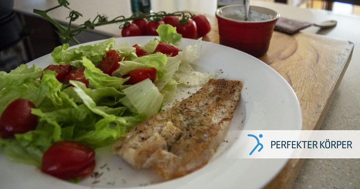 Pangasiusfilet in cremiger Soße mit frischem Salat