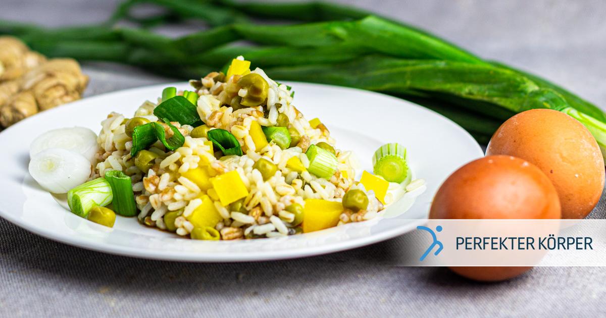 Reis mit Gemüse und Ei
